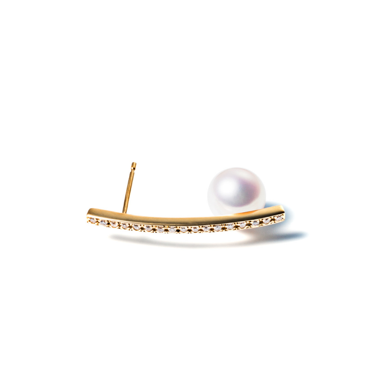 MATERIAL : K18 Gold Orderly line pierce / Akoya pearl