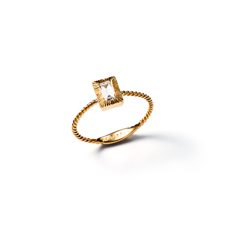 MATERIAL : K18 Gold Le vent ring / Rectangle